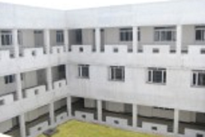 https://cache.careers360.mobi/media/colleges/social-media/media-gallery/28573/2020/1/20/Campus view of Muthayammal Polytechnic Institution Rasipuram_Campus-View.jpg